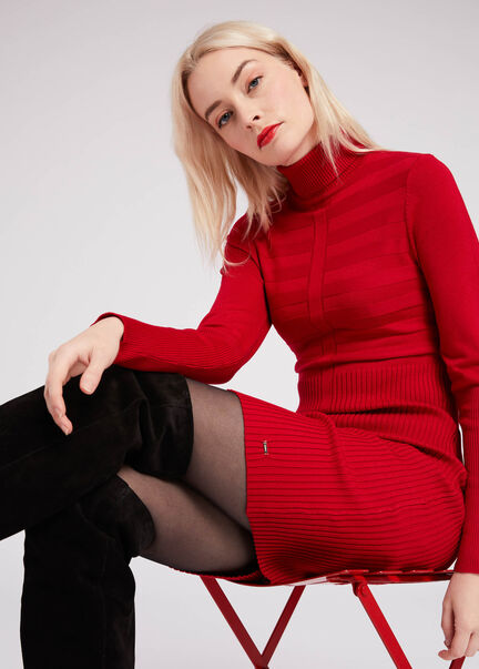 Robe ajustee col roule maille fine rouge femme